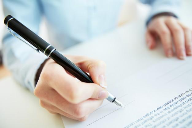 Obowiązek składania przez wykonawcę oświadczenia o przynależności do grupy kapitałowej  w sytuacji, gdy w postępowaniu złożono wyłącznie jedną ofertę.